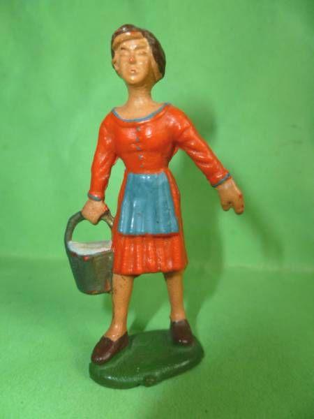 Starlux - The Farm - Farm woman with bucket (series 53/54 ref 509)
