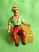 Starlux - the farm - Farmer seated (series 53/54 ref 5162)
