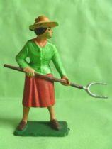 Starlux - The Farm - Farmer woman with fork (series 59 ref 507)