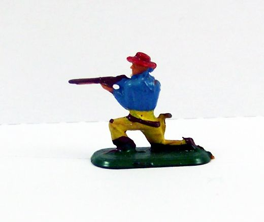 Starlux 20mm (1/87°) - Wild West Cow-Boys -Firing Rifle Kneeling (Ref 3122)