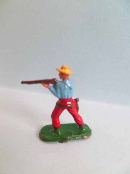 Starlux 20mm (1/87°) - Wild West Cow-Boys -Firing Rifle Standing (Ref 3121)