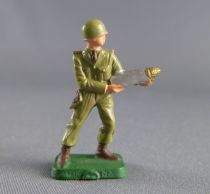 Starlux 30mm (1/55°) - Army - Infantry loading rocket (ref 108?)