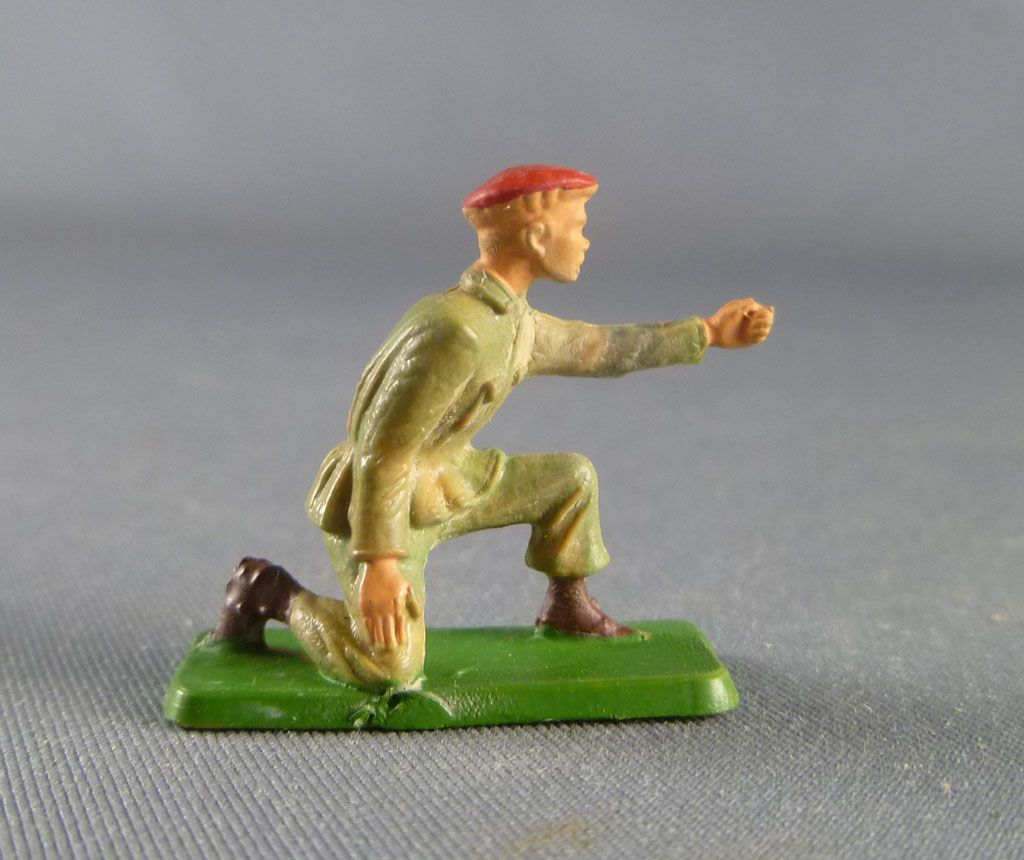 Starlux 30mm (1/55°) - Army - Paratrooper fighting mortar chief (ref 1166 )