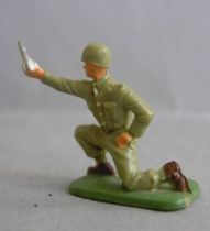 Starlux 35mm (1/50°) - Army - Infantry mortar servant (ref 1095)