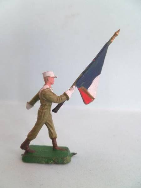 Starlux 35mm (1/50°) - Army - Legion Marching Flag Holder (ref MLM 98)