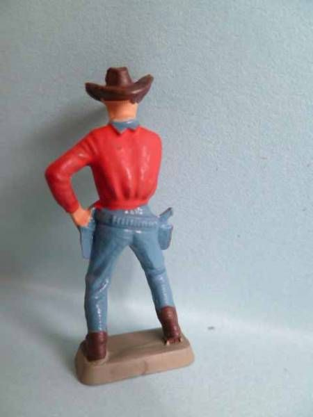 Starlux 35mm (1/50°) - Wild West Cow-Boys- Drawning gun (red & blue) (ref MCB 5124)