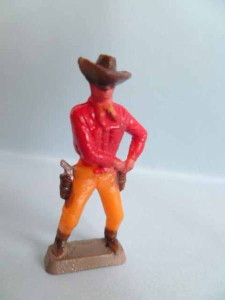 Starlux 35mm (1/50°) - Wild West Cow-Boys- Drawning gun (red & yellow) (ref MCB 5124)
