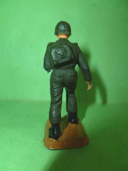 Starlux 40mm - Army - Infantry Medical soldier (ref ????)