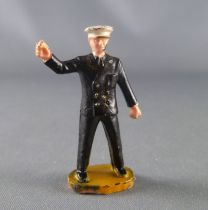 Starlux 40mm - Train station - Station Chief (ref 1101)