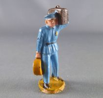Starlux 40mm - Train station - Station worker 2 lugages (ref 1104)