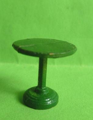 Starlux 40mm - Train station - Table (green) (ref G31 /  FT5237)