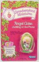 Strawberry shortcake - Miniatures - Angel Cake chatting on the phone