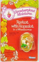 Charlotte aux fraises - Figurine pvc neuve en blister - Sorbet Abricot et Berlingot dans la brouette