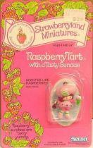 Strawberry shortcake - Miniatures - Raspberry Tart with a tasty sundae