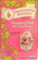 Strawberry shortcake - Miniatures - Raspberry Tart with a tasty sundae
