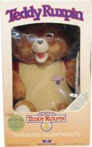 Teddy Ruxpin - Talking audio tape player plush doll - 1985
