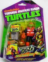 Teenage Mutant Ninja Turtles (Nickelodeon) - Ooze Chuckin\' Mikey