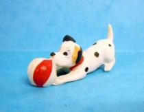 The 101 dalmatians - Jim figure - Baby plays with ball (red)