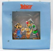 The Archives of Asterix - Atlas - Metal figures n°17 - Alambix and Caïus Joligibus