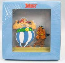 The Archives of Asterix - Atlas - Metal figures n°24 - Obélix and the Indian Chief\'s Girl