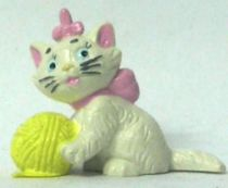 The Aristocats - Bully PVC figure - Marie with wool ball