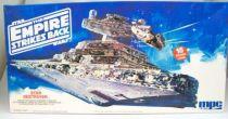 The Empire strikes back - MPC ERTL (Commemorative Edition) - Star Destroyer 01