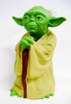 The Empire Strikes Back 1980 - Kenner - Yoda Hand Puppet (loose)