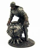 The Lord of the Rings - Eaglemoss - #139 Uruk-Hai Bomber at Helm\'s Deep
