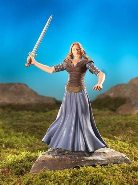 The Lord of the Rings - Eowyn with Sword slashing action - ROTK