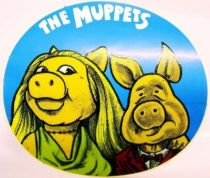 The Muppet Show - Promotional Sticker 1977 - Miss Piggy & Link Hogthrob