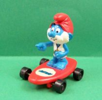 The Smurfs - Hardee\'s - PaPa Smurf beach keeper on red skateboard