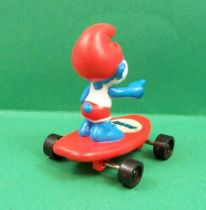 The Smurfs - Hardee\'s - PaPa Smurf beach keeper on red skateboard