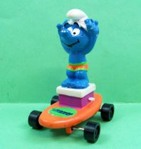 The Smurfs - Hardee\'s - Smurf starting base on orange skateboard