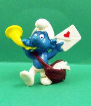 The Smurfs - Schleich - 20031 Postman Smurf (heart on mail)