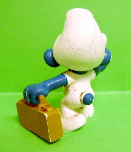 The Smurfs - Schleich - 20054 First Aid Smurf (ochre case without sign)