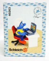 The Smurfs - Schleich - 40263 Smurf with desk and computer (mint in new look box)