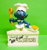 The Smurfs - Schleich - Cooker Smurf  \'\'when smurf -us a meal together\'\' (white base)