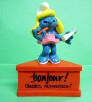 The Smurfs - Schleich - Smurfette secretary  \'\'Hello, what\'s new?\'\' (red base)