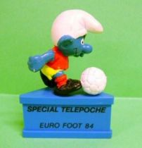 The Smurfs - Schleich - Soccer Smurf \'\'Sp�cial T�l�poche - Euro Foot 84\'\' (blue base)