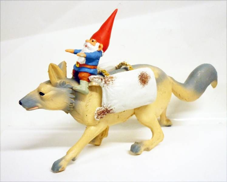 The world of David the Gnome - PVC Figure - David on the back of the snow fox
