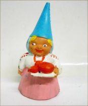 The world of David the Gnome - PVC Figure - Lisa serves the Tea (pink dress)