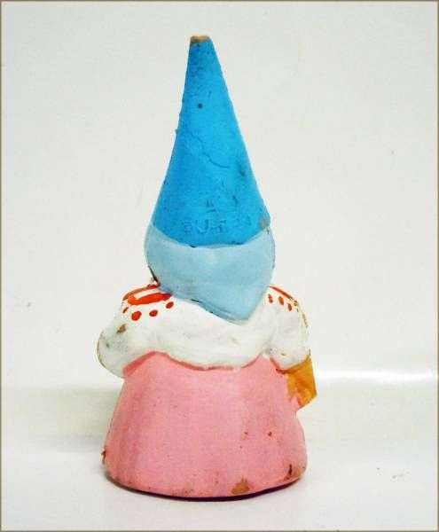 The world of David the Gnome - PVC Figure - Lisa serves the Tea (pink dress)