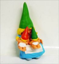 The world of David the Gnome - PVC Figure - Susan breast-feeds twins