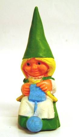 The world of David the Gnome - PVC Figure - Susan knits (green dress)