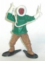 Timpo Eskimos both arms raised green (white harpoon) advancing fawn legs