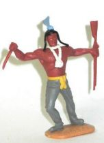 Timpo Indians 2nd series (moulded weapon) footed with knife & rifle grey leaning to the right legs light blue feather