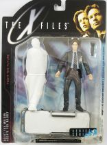 X-Files - McFarlane Toys - Agent Fox Mulder with Corpse on Stretcher