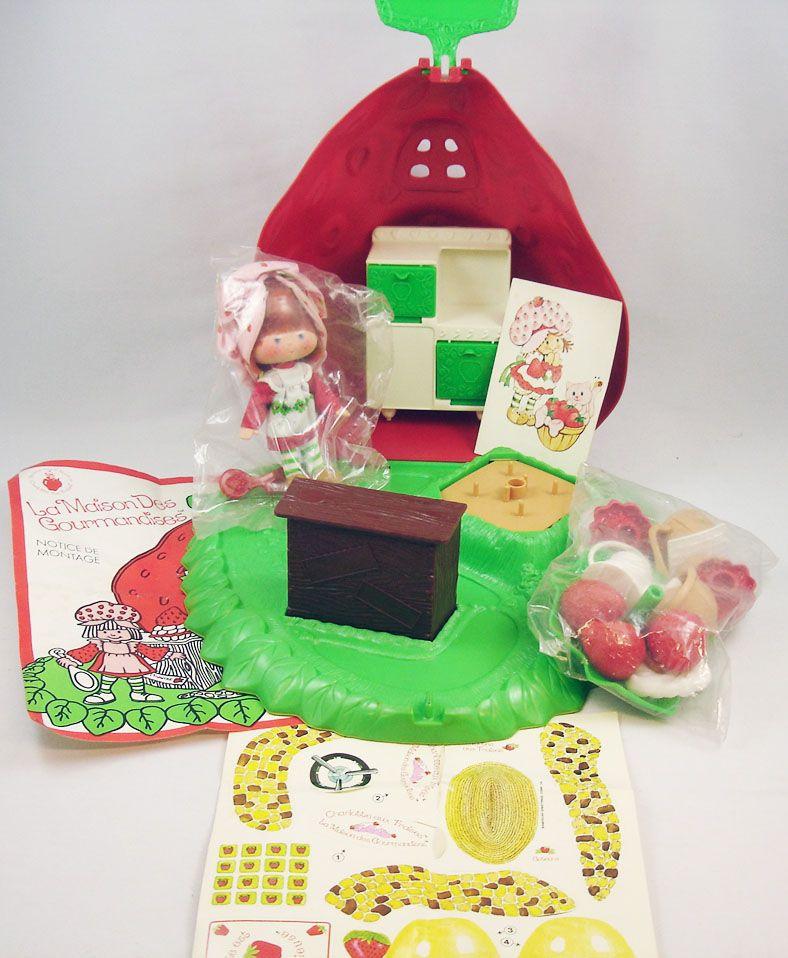 charlotte_aux_fraises___berry_bake_shoppe__la_maison_des_gourmandises__1_