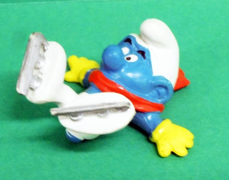 20121 Ice Skater Smurf (Holiday on Ice)