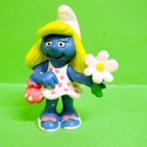 20421 Smurfette with bag and flower